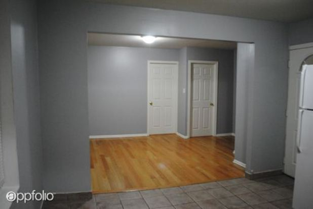 2 Bedrooms 1 Bathroom Apartment for rent at 1641 47 W. 18th St. in Chicago, IL