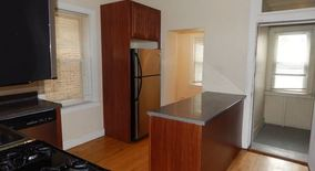 Similar Apartment at 6936 S Maplewood Ave
