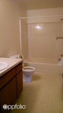 2 Bedrooms 1 Bathroom Apartment for rent at 100-190 Se Viewmont Avenue in Corvallis, OR