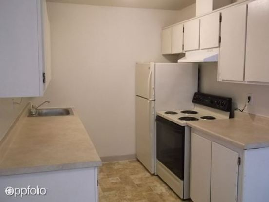 2 Bedrooms 1 Bathroom Apartment for rent at 2722 Sw Spring Garden Street in Portland, OR