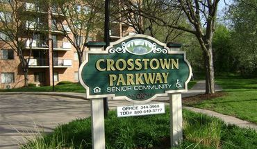 Crosstown Parkway Senior Community!!