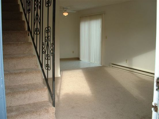 2 Bedrooms 1 Bathroom Apartment for rent at The Oaks in Portland, OR