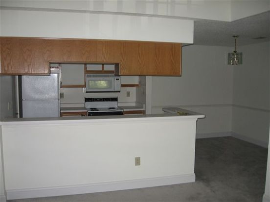 2 Bedrooms 1 Bathroom Apartment for rent at The Woodhawk Club in Pittsburgh, PA