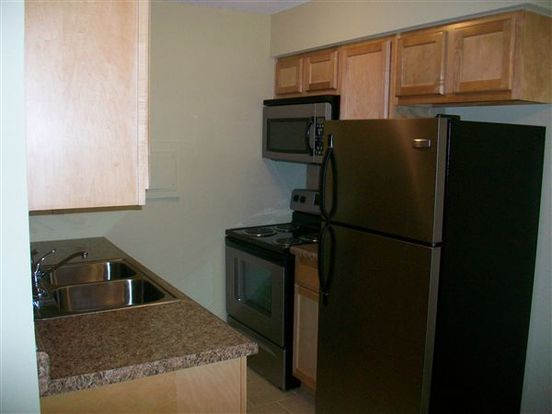 1 Bedroom 1 Bathroom Apartment for rent at Uptown Plaza Apartments in Minneapolis, MN
