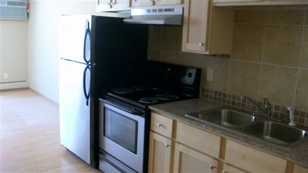 2 Bedrooms 1 Bathroom Apartment for rent at Midtown Plaza Apartments in Minneapolis, MN