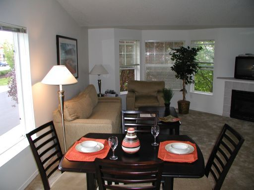 2 Bedrooms 2 Bathrooms Apartment for rent at South Parc At Bethany in Portland, OR