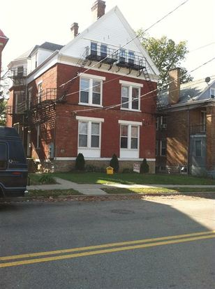 4 Bedrooms 2 Bathrooms House for rent at 825 Oak in Cincinnati, OH