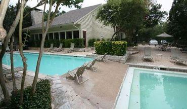 Similar Apartment at 2800 Bartons Bluff Ln