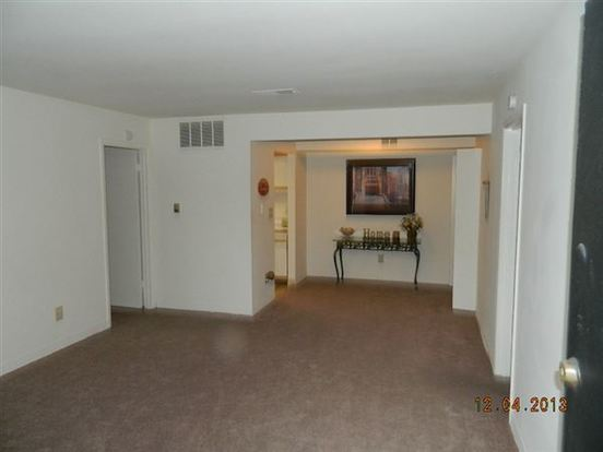 2 Bedrooms 2 Bathrooms Apartment for rent at Stone Lake Lodge Apartments in Indianapolis, IN