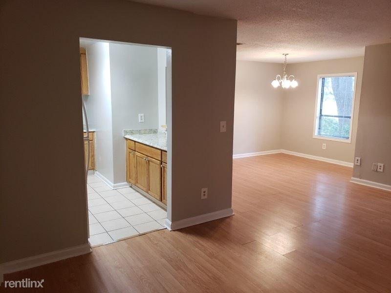3 Bedrooms 2 Bathrooms Apartment for rent at Northlake Condos in Tucker, GA