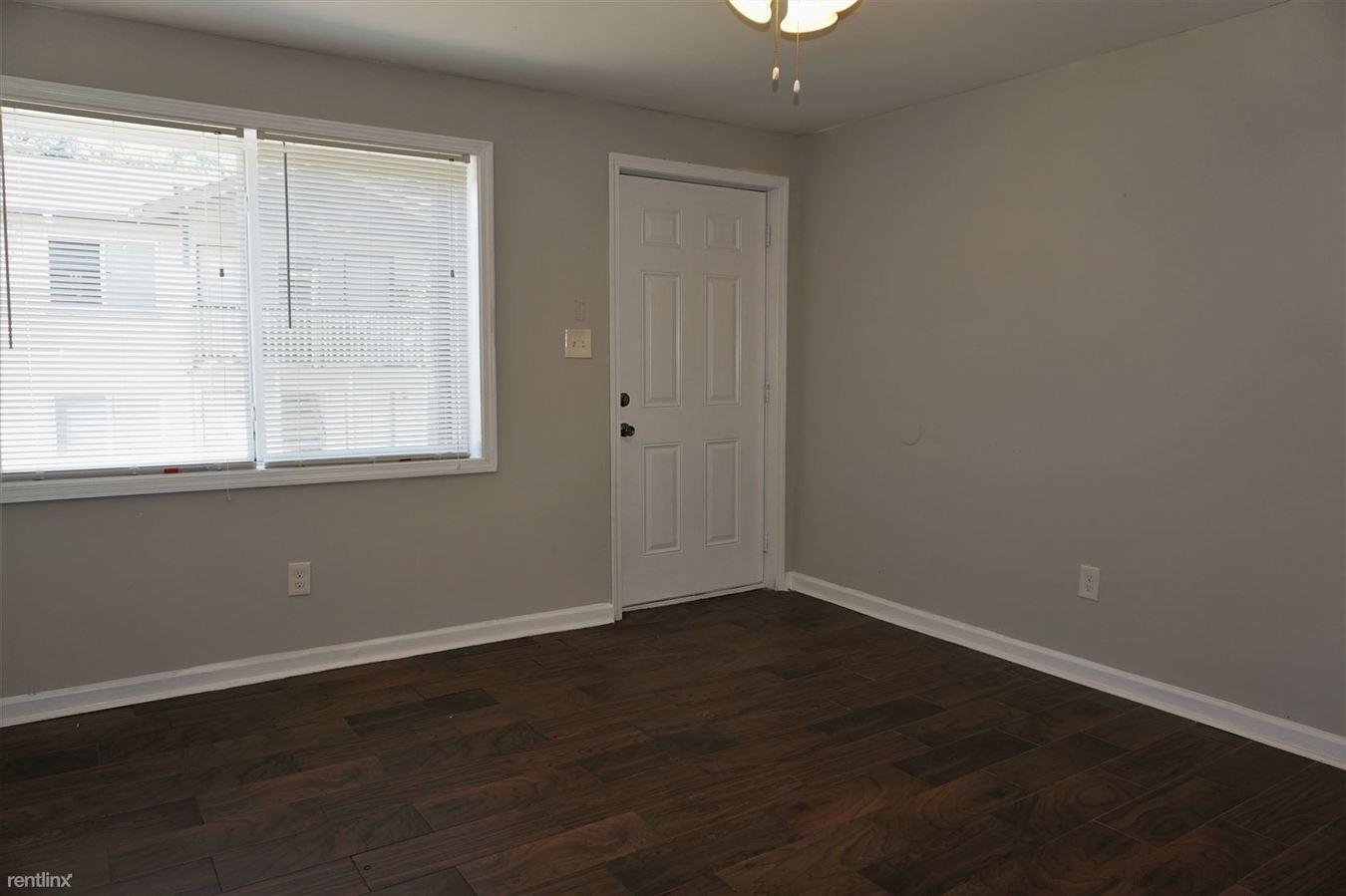 2 Bedrooms 1 Bathroom Apartment for rent at Gardens At Washington Park 2 in Atlanta, GA