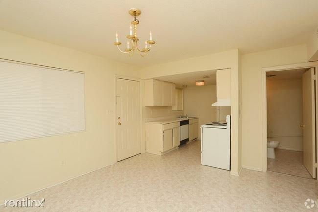 3 Bedrooms 2 Bathrooms House for rent at Northgate Townhomes in Tucker, GA