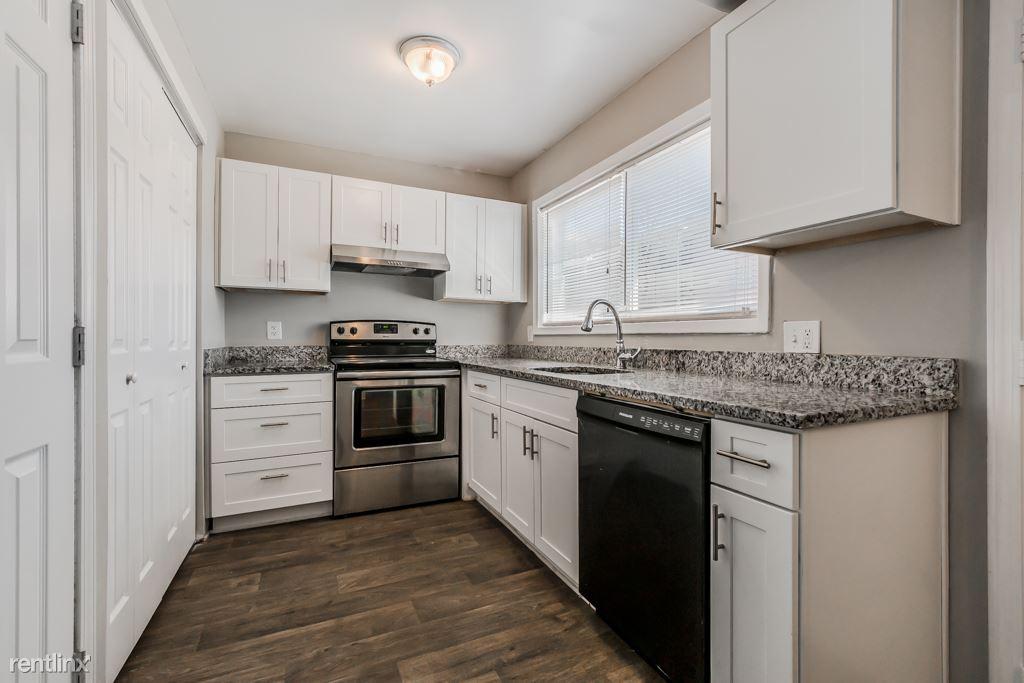 3 Bedrooms 1 Bathroom Apartment for rent at Balfour Chastain in Atlanta, GA