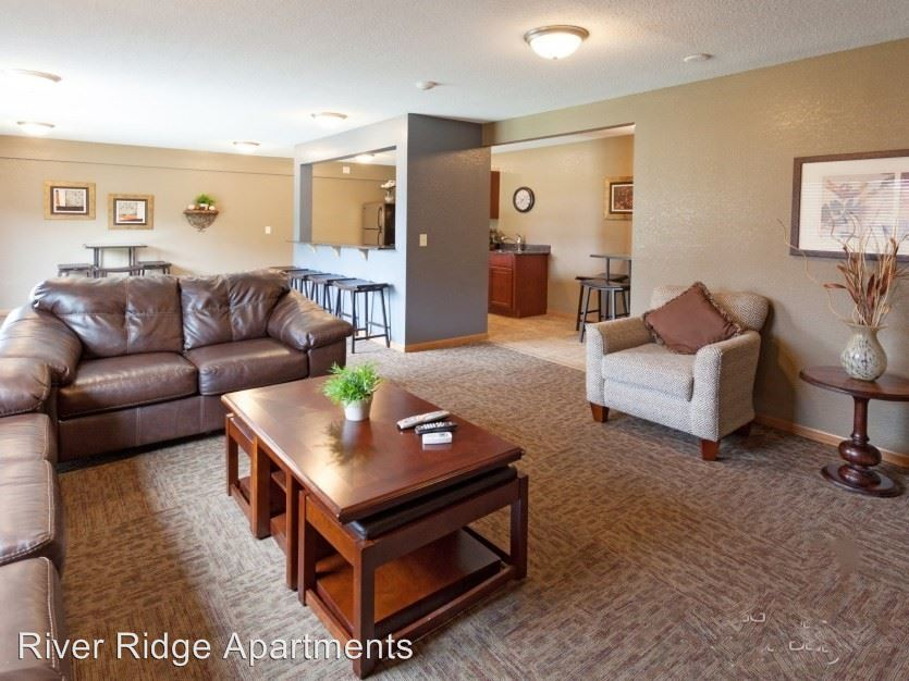 2 Bedrooms 1 Bathroom Apartment for rent at 12901 County Road 5 Office in Burnsville, MN