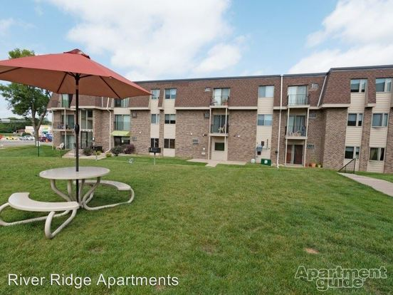Studio 1 Bathroom Apartment for rent at 12901 County Road 5 Office in Burnsville, MN