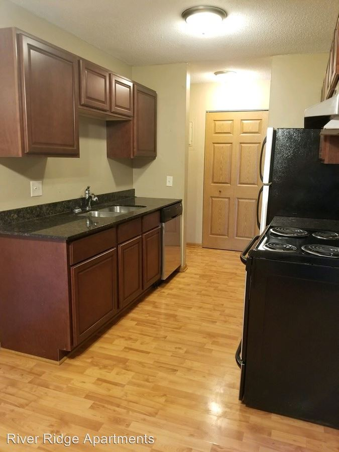 3 Bedrooms 1 Bathroom Apartment for rent at 12901 County Road 5 Office in Burnsville, MN