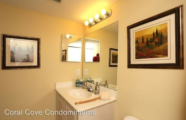 2 Bedrooms 3 Bathrooms Apartment for rent at 1751 Four Mile Cove Pkwy in Cape Coral, FL