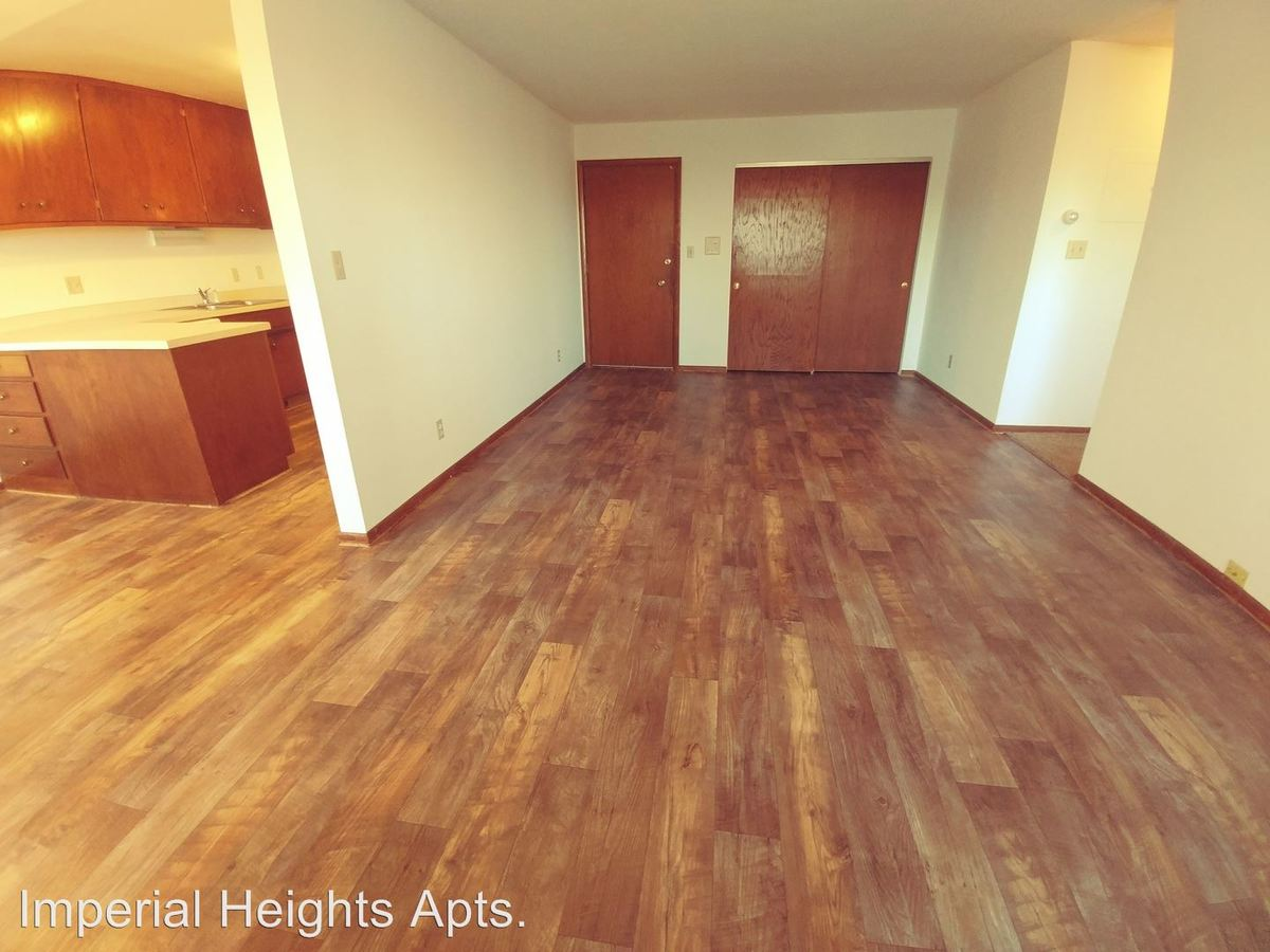 3 Bedrooms 1 Bathroom Apartment for rent at 85 & 90 Imperial Dr. W. in West St Paul, MN