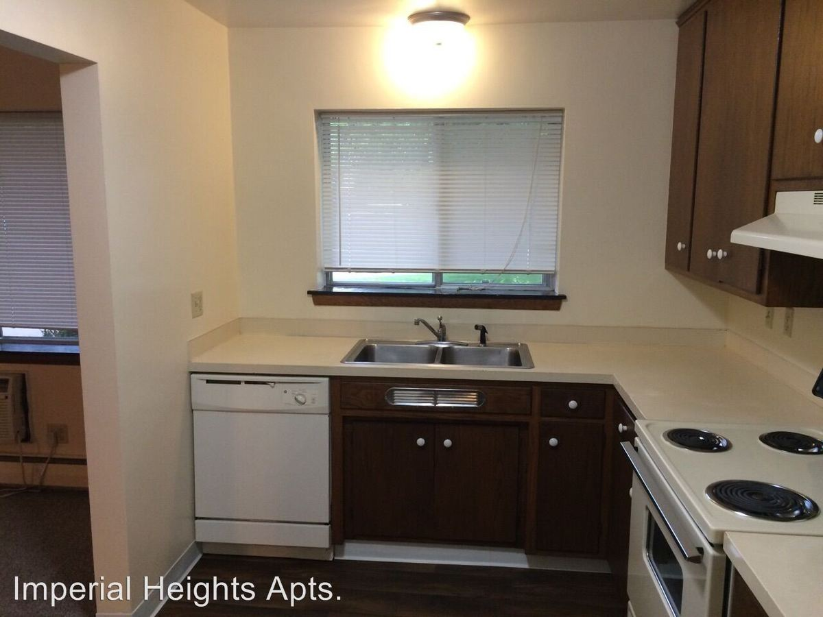 1 Bedroom 1 Bathroom Apartment for rent at 85 & 90 Imperial Dr. W. in West St Paul, MN