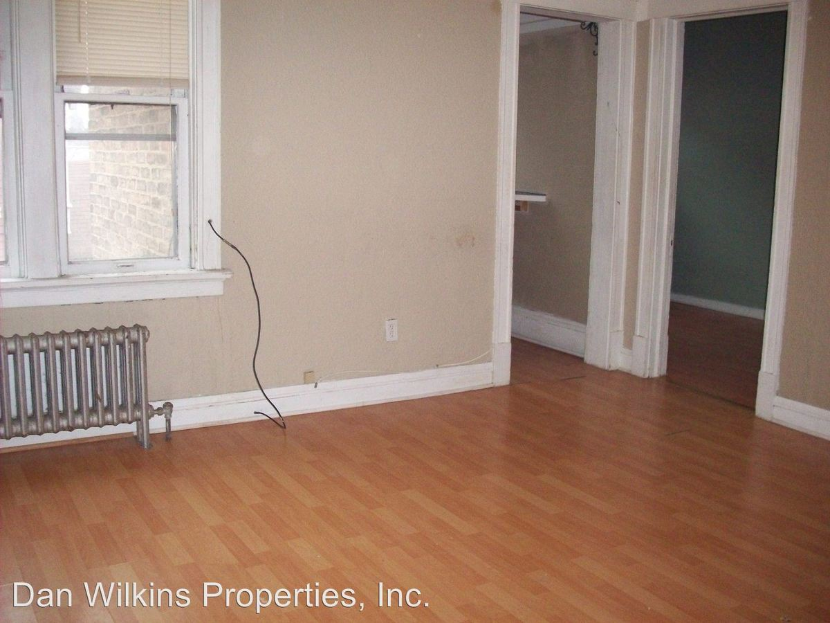1 Bedroom 1 Bathroom Apartment for rent at 1503 E Kane Pl in Milwaukee, WI