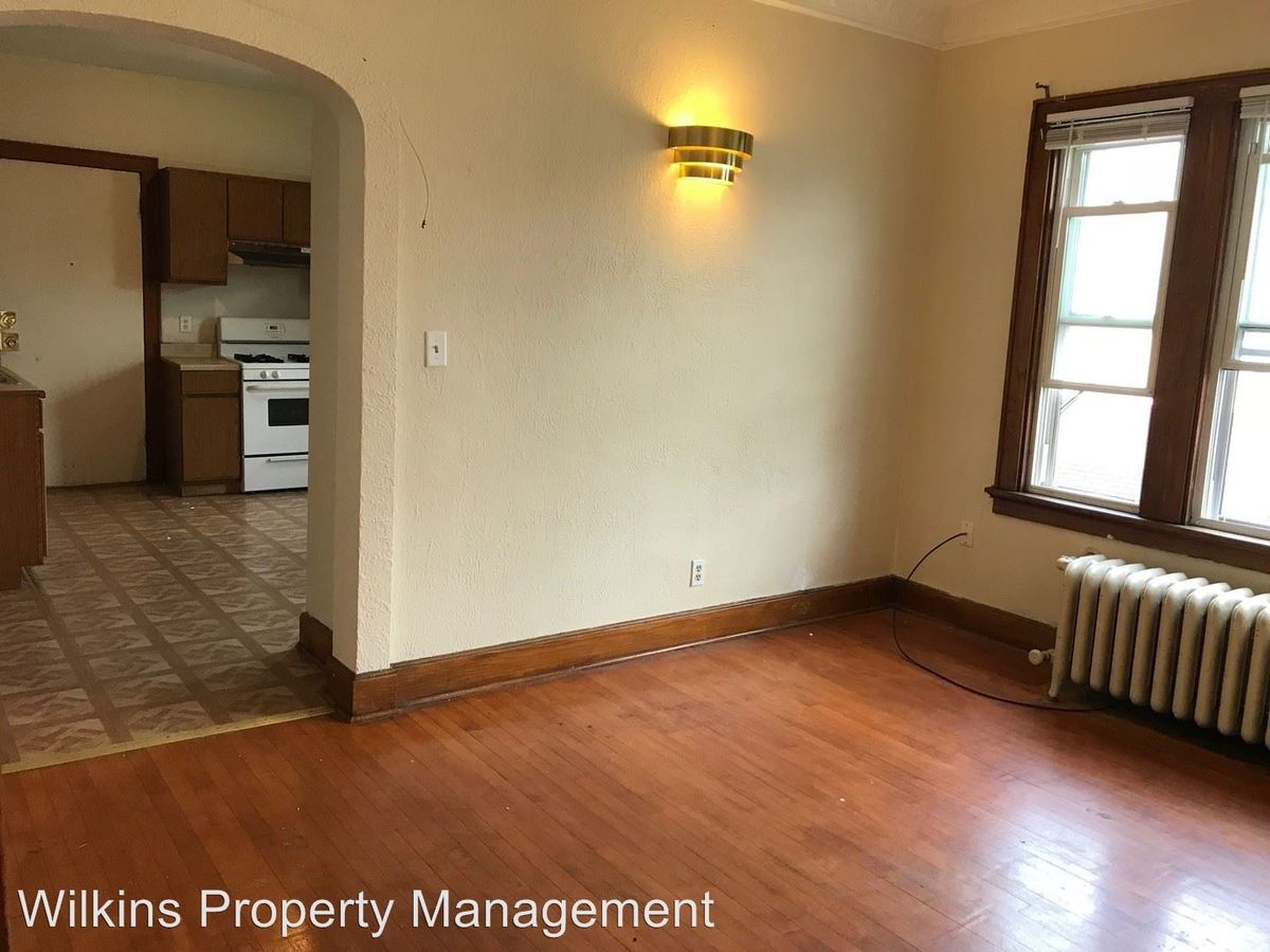 2 Bedrooms 1 Bathroom Apartment for rent at 421-425 W. Washington St. in Milwaukee, WI