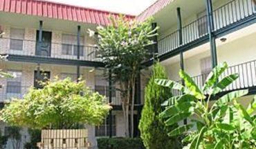 Similar Apartment at 109 W 39th St