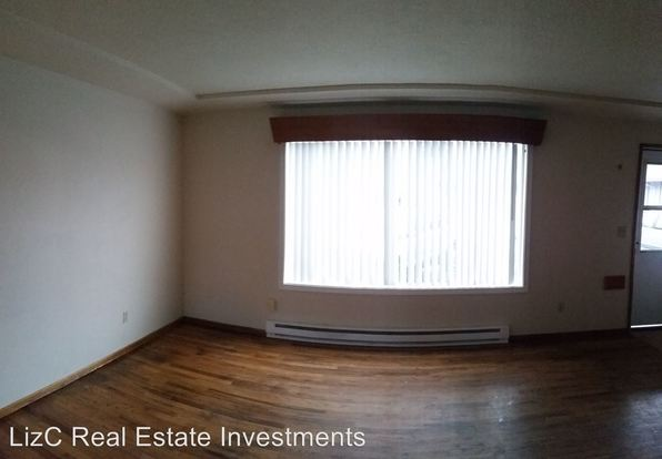 2 Bedrooms 1 Bathroom Apartment for rent at 521 539 Ne 113th Ave in Portland, OR
