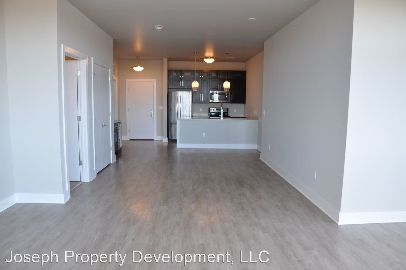 2 Bedrooms 2 Bathrooms Apartment for rent at Mosaic Apartments in Milwaukee, WI