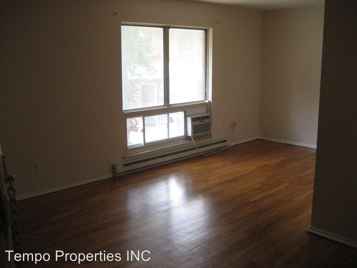 2 Bedrooms 1 Bathroom Apartment for rent at 413 E 8th in Bloomington, IN