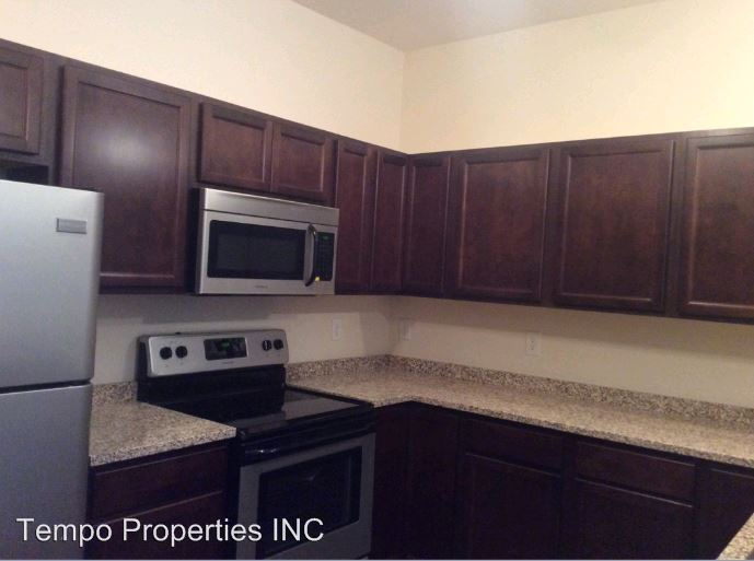 2 Bedrooms 2 Bathrooms Apartment for rent at 631 North College Avenue in Bloomington, IN