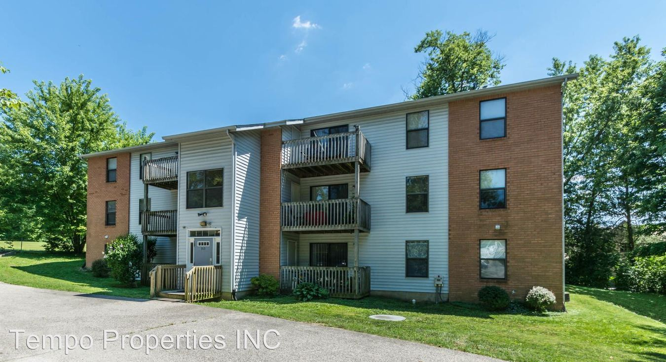 2 Bedrooms 1 Bathroom Apartment for rent at Chestnut Hill in Bloomington, IN