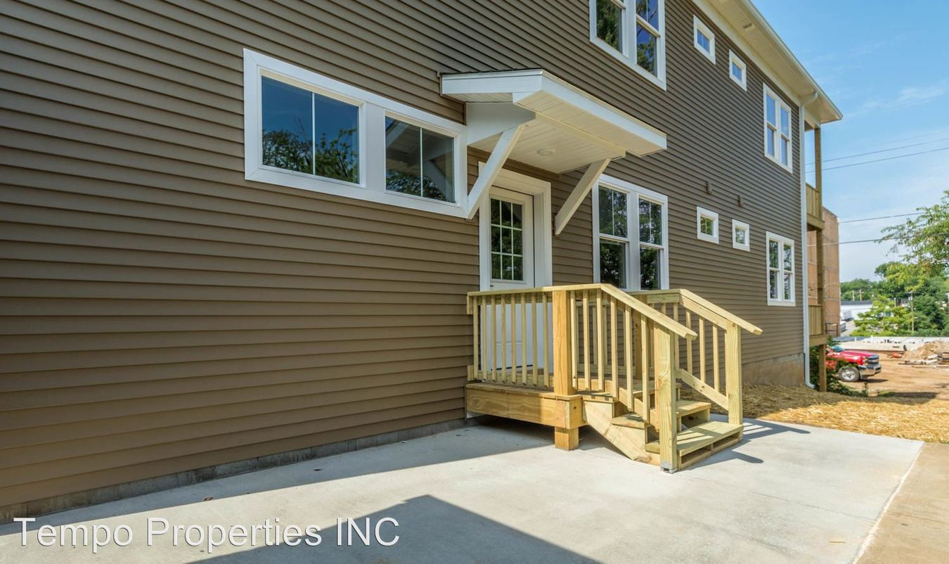 4 Bedrooms 4+ Bathrooms Apartment for rent at 1311 North Washington Street in Bloomington, IN