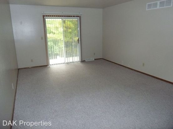 2 Bedrooms 1 Bathroom Apartment for rent at 6835 Kathleen Crt. in Franklin, WI