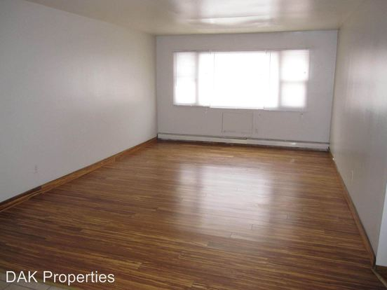 2 Bedrooms 1 Bathroom Apartment for rent at 5127 N 76th St in Milwaukee, WI