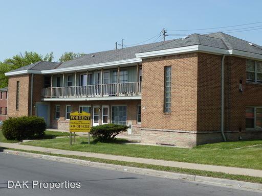 Similar Apartment at 5541 N Teutonia Ave