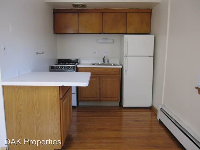 Studio 1 Bathroom Apartment for rent at 1112 E. Knapp Street in Milwaukee, WI