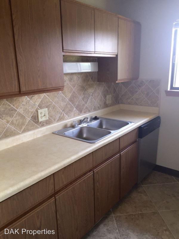 2 Bedrooms 1 Bathroom Apartment for rent at N114w15846 Sylvan Circle in Germantown, WI