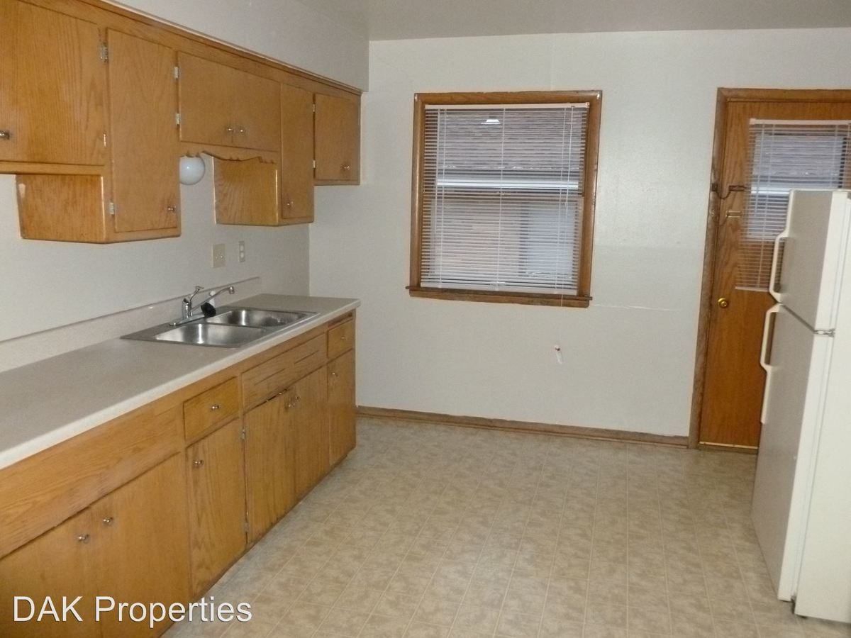 2 Bedrooms 1 Bathroom Apartment for rent at 1203 E Singer Circle in Milwaukee, WI