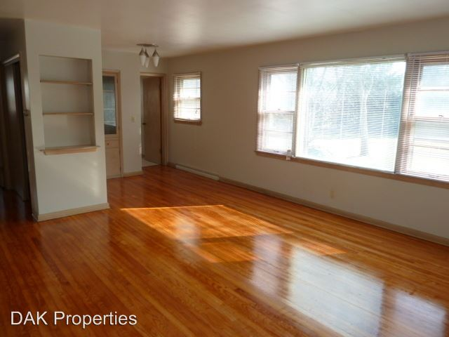 1 Bedroom 1 Bathroom Apartment for rent at 1146 E. Singer Circle in Milwaukee, WI