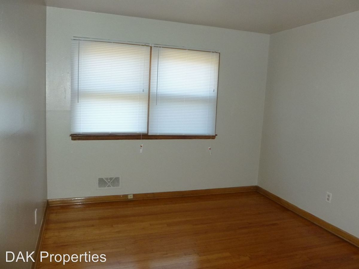 2 Bedrooms 1 Bathroom Apartment for rent at 1211 E Singer Circle in Milwaukee, WI