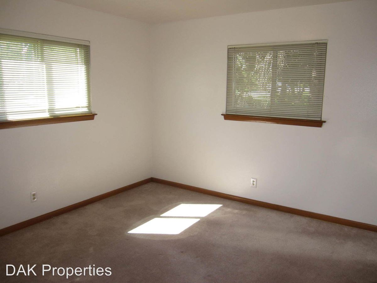 2 Bedrooms 1 Bathroom Apartment for rent at N89 W15848 Main Street in Menomonee Falls, WI