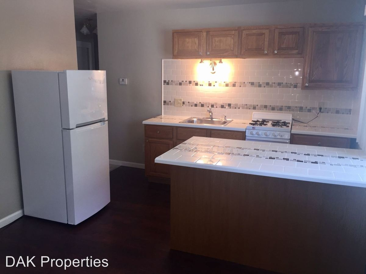 2 Bedrooms 1 Bathroom Apartment for rent at 2425 N. Oakland Ave in Milwaukee, WI