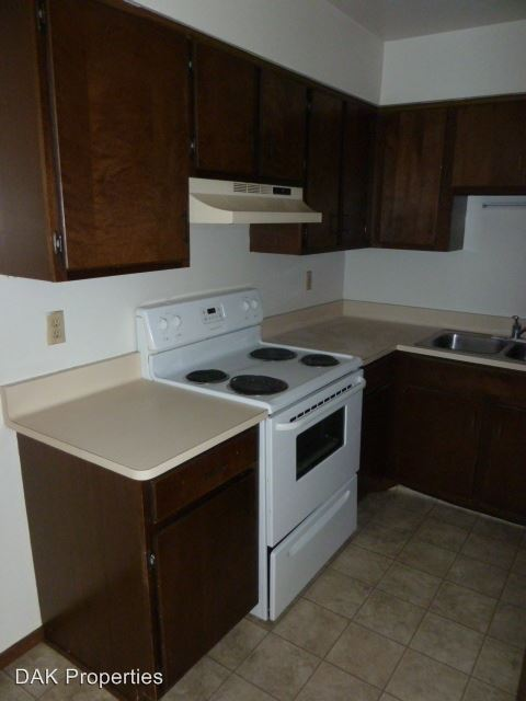 2 Bedrooms 1 Bathroom Apartment for rent at N169 W19820 Chestnut Crt in Jackson, WI