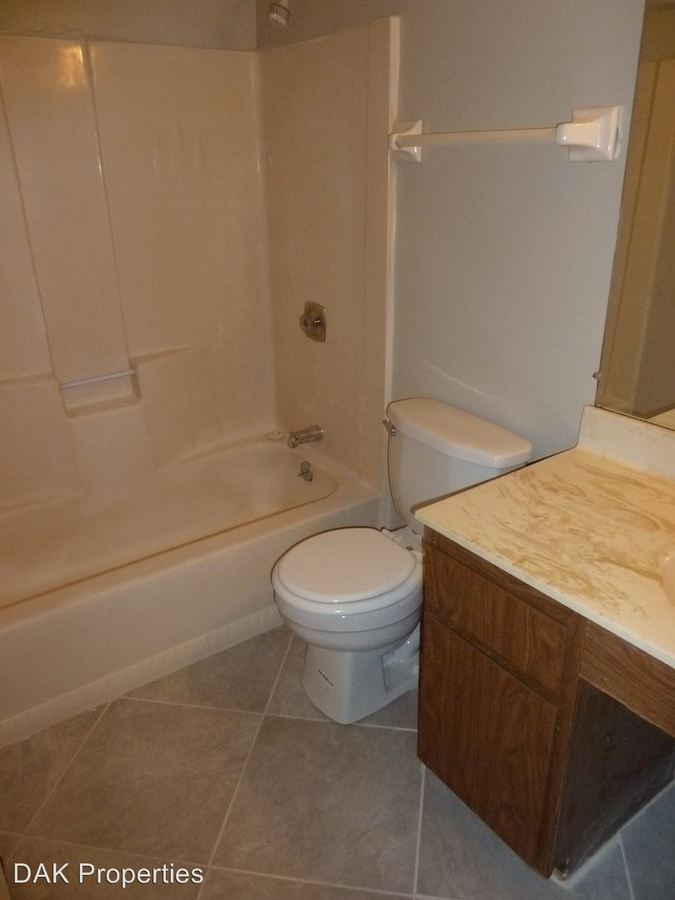 1 Bedroom 1 Bathroom Apartment for rent at 1230 E. Singer Cir. in Milwaukee, WI
