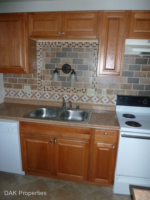2 Bedrooms 1 Bathroom Apartment for rent at N111 W15835 Vienna Court in Germantown, WI