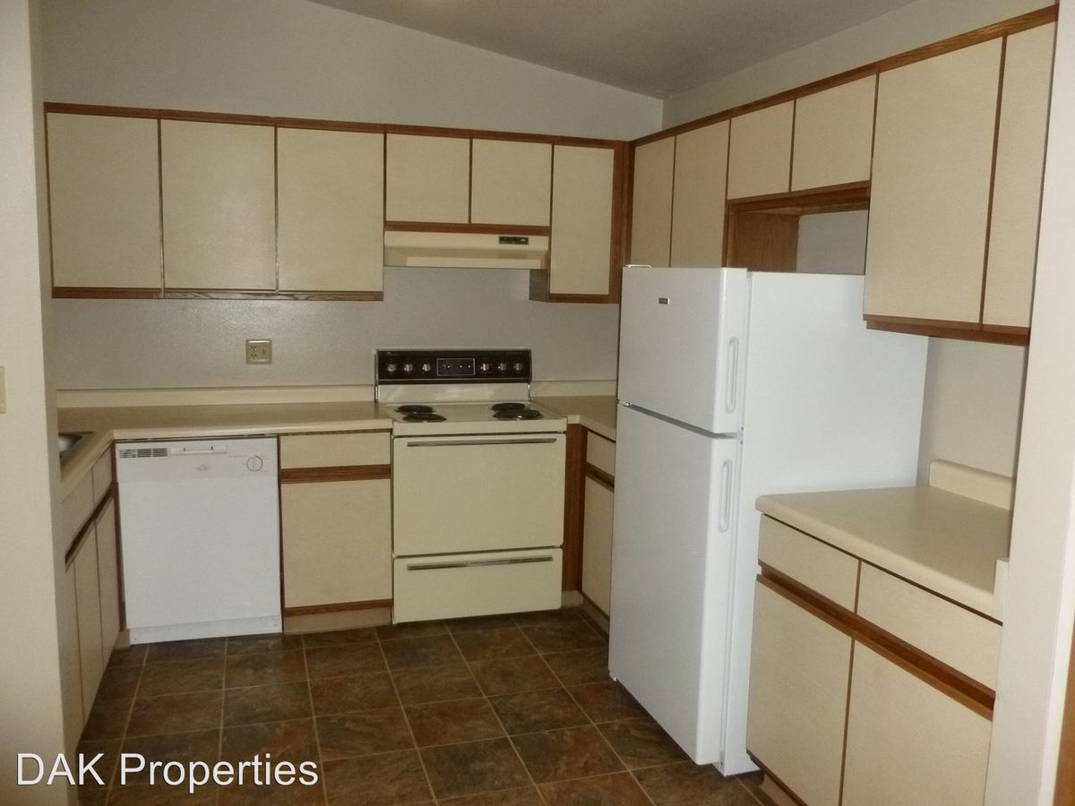 2 Bedrooms 1 Bathroom Apartment for rent at W201 N16649 Hemlock in Jackson, WI