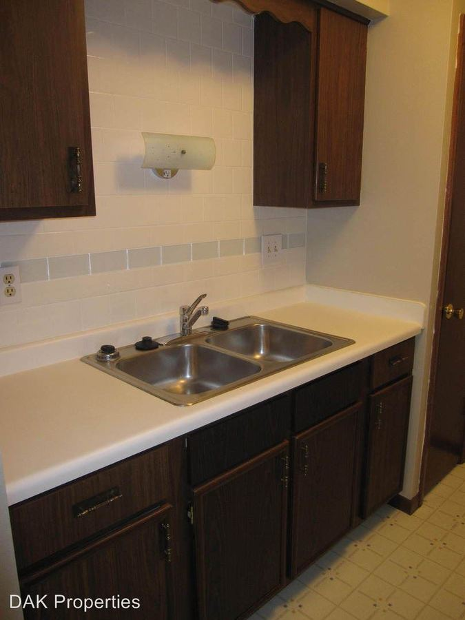 2 Bedrooms 1 Bathroom Apartment for rent at N114 W15556 Sylvan Cir. in Germantown, WI