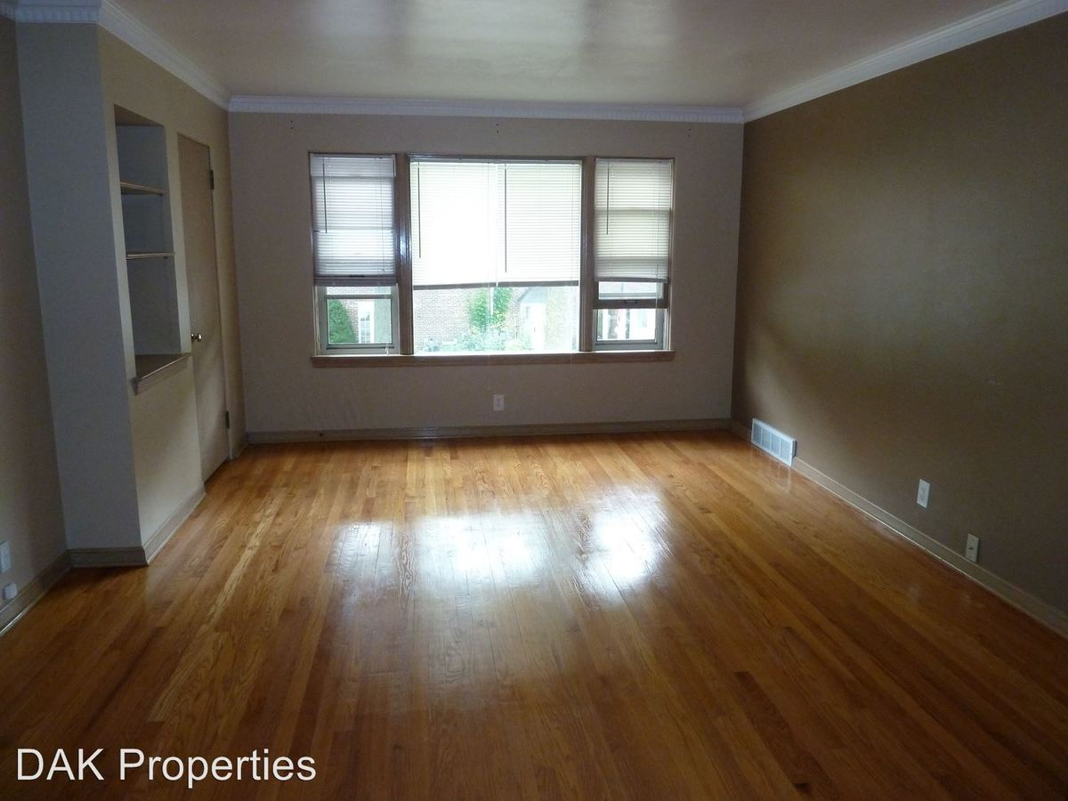 2 Bedrooms 1 Bathroom Apartment for rent at 5169 N. Hollywood Ave. in Whitefish Bay, WI
