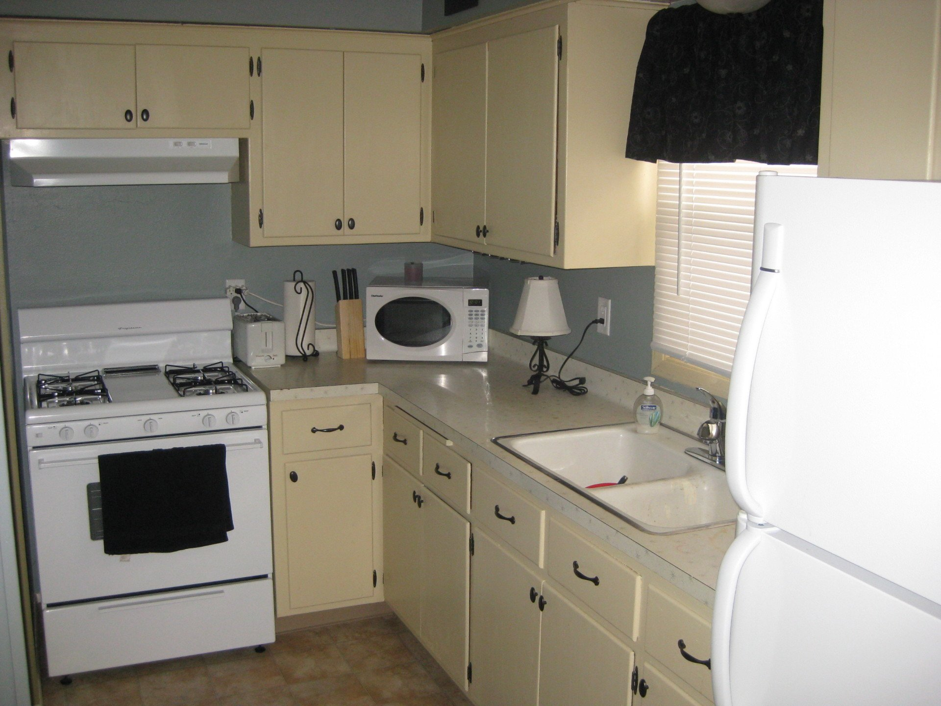 Apartments Near Milwaukee Career College Dearborn Properties for Milwaukee Career College Students in Milwaukee, WI
