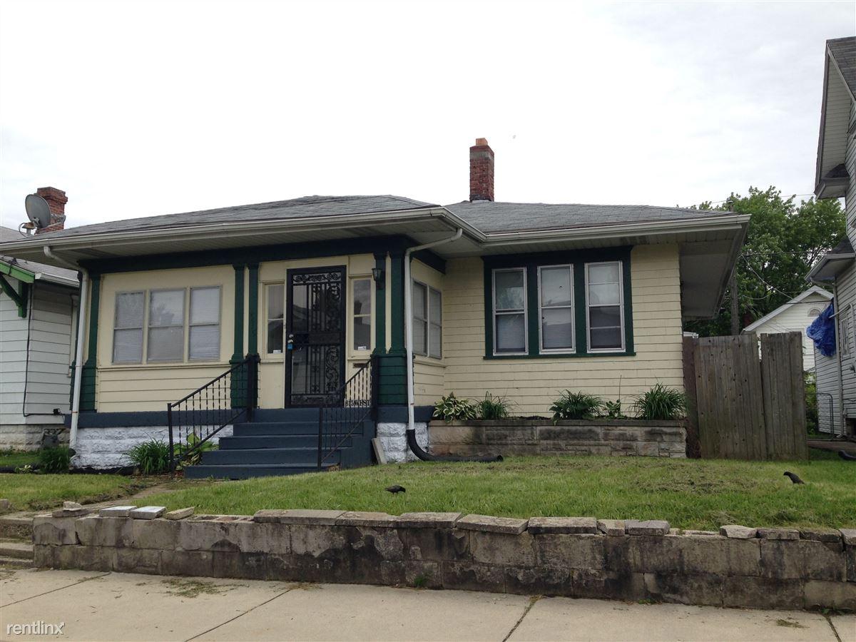 Similar Apartment at 315 W 39th St